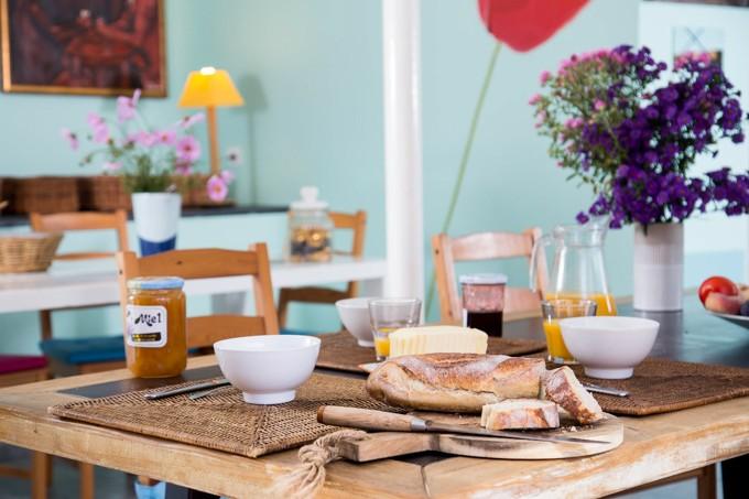 buissonnière petit déjeuner table intérieur