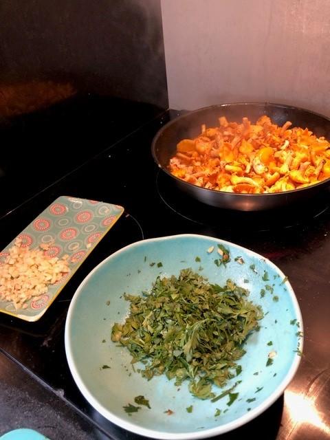 cuisine poelle girolles
